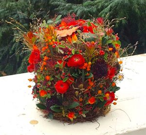 Urne aus Blumen