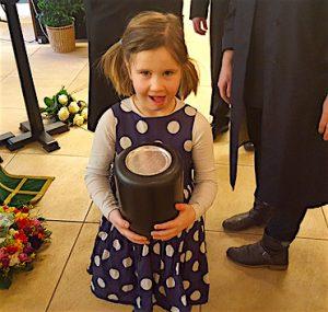 Kind mit zur Beerdigung