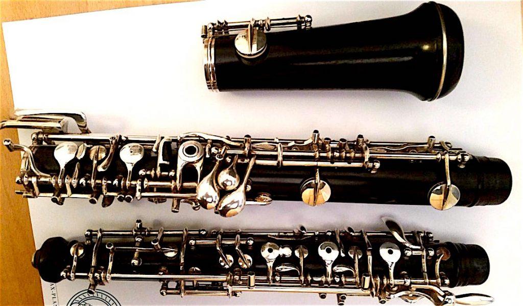 Das ist meine Oboe, die ich auf Beerdigungen aber nur sehr selten zum Einsatz kommt.